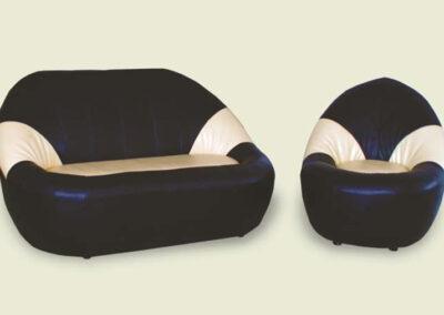 Dvosed i fotelja sa oblim ivicama braon bele boje