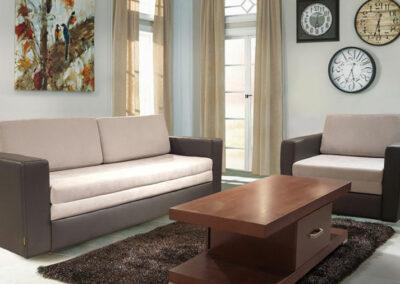 Garnitura bele boje sa tamnim okvirom