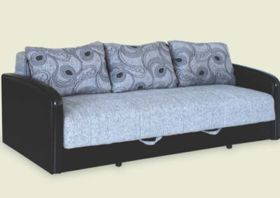 Kauč na razvlačenje plave boje sa tamnim okvirom