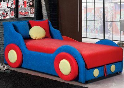 Dečiji krevet u obliku auta Fićo
