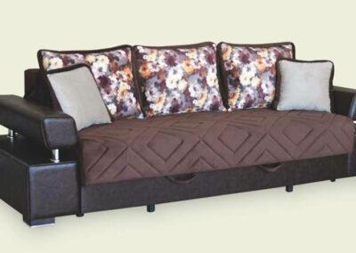 Luksuzni ležaj-trosed sa tri jastuka