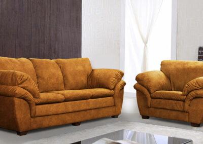 Braonkasto narandžasti dvosed sa foteljom
