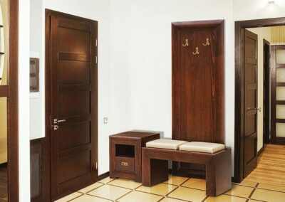 Moderno braon predsoblje za kuću ili stan Leon